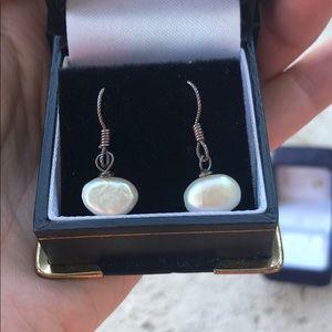 Jewelry - Pearl Drop Earring